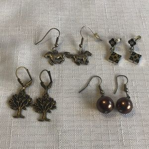 Jewelry - 4 Pair of Earrings for Pierced Ears
